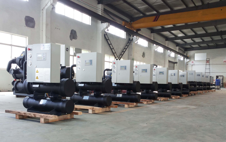 水地源热泵机组生产车间展示