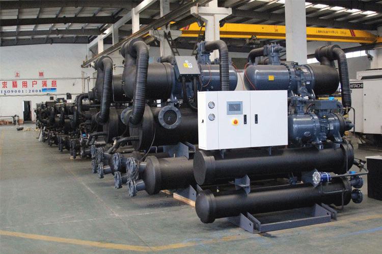 螺杆冷水机生产车间